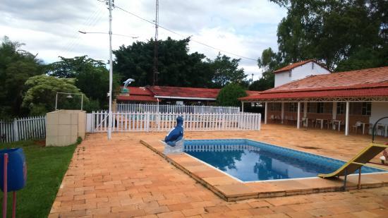 Brazlandia, DF: Piscina e restaurante