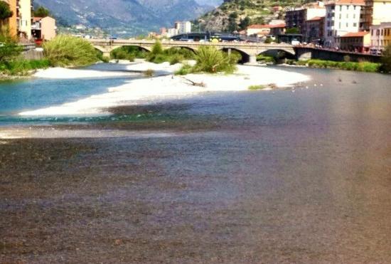Villaggio del Sole: ventimiglia bridge