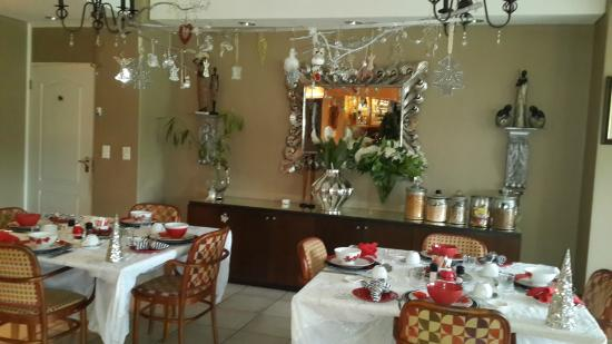 Mount Edgecombe Estate Lodge: Dining area set up for breakfast
