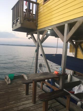 Casa Verde Hostel & Guesthouse: Diving Equipment Area/classroom