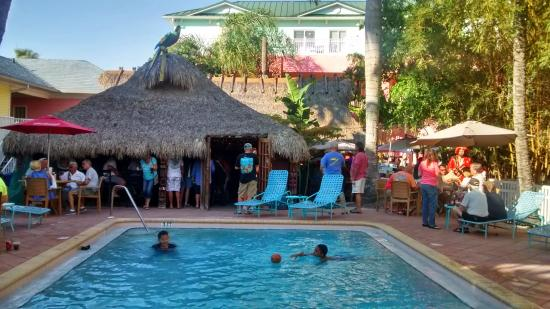 The Lighthouse Resort Inn And Suites Piscina Y Bar Del Hotel