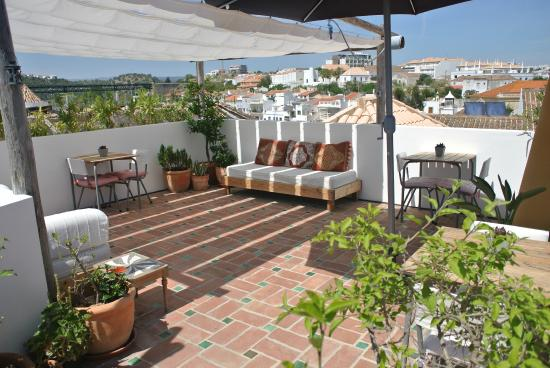 Calcada Guesthouse: Roof terrace