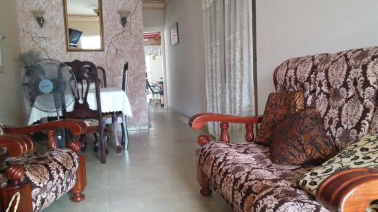 Casa Yairi y Tito
