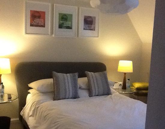 Westwood : Room 4