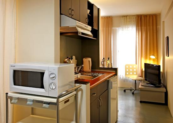 Istanbul Suites: Deluxe Apartment - Kitchen
