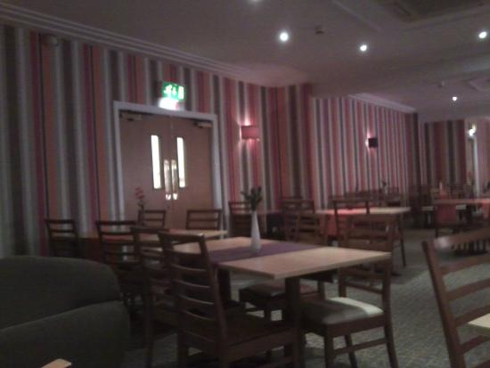 The Carousel Hotel : |Breakfast evening dining room
