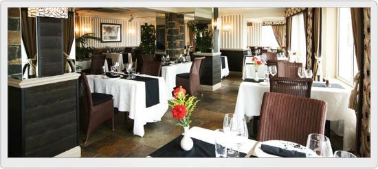 Cobo Bay Restaurant & Beach Terrace: Cobo Bay Hotel Restaurant
