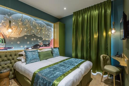 suite foto di hotel les bulles de paris parigi tripadvisor. Black Bedroom Furniture Sets. Home Design Ideas