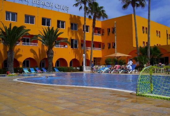 Sun Holiday Beach Club: piscine 1