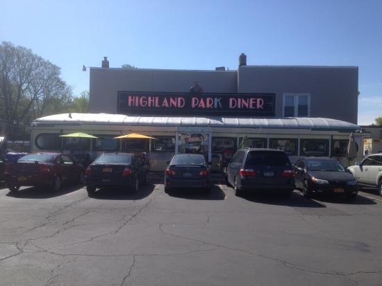 Highland Park Diner : Front of Diner