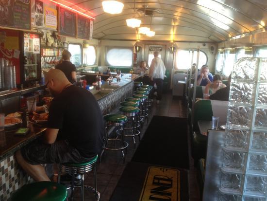 Highland Park Diner : Inside diner