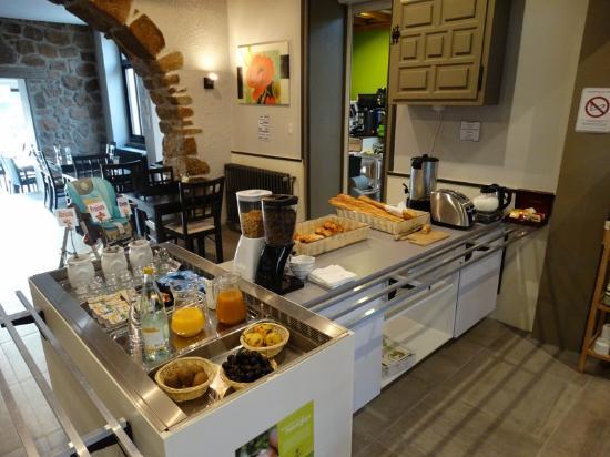 Hotel Restaurant Chaleat-Sapet : Salle petits déjeuners