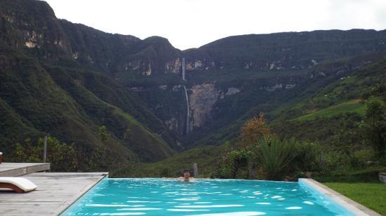Cocachimba, เปรู: En la pisicina con vista a la catarata Gocta