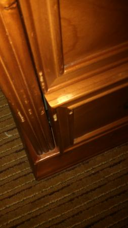 Holiday Inn Express Port Charlotte: that is a picutre of the dented items