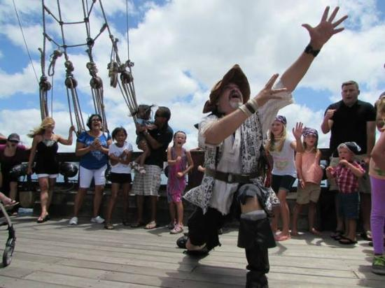 Cruise Lights Music And General Skullduggery Picture Of - Pirate ship cruise hawaii