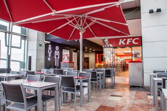 Mejores restaurantes cerca de centro comercial la maquinista - Centro comercial maquinista barcelona ...