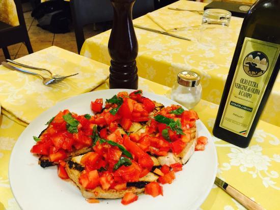 Antica Macelleria Trattoria: Bruschetta - very good!