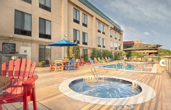 Hampton Inn Marble Falls-On The Lake: Hill Country Pool