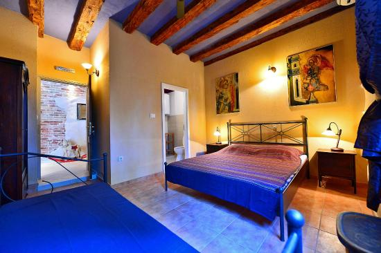 bedroom picture of bed breakfast split split tripadvisor