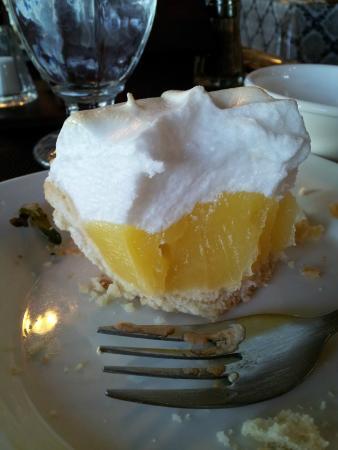 Lac le Jeune Resort: lemon pie