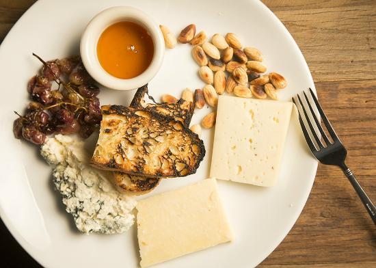 Irvu0027s Pub Artisan Cheese Plate & Artisan Cheese Plate - Picture of Irvu0027s Pub Hershey - TripAdvisor