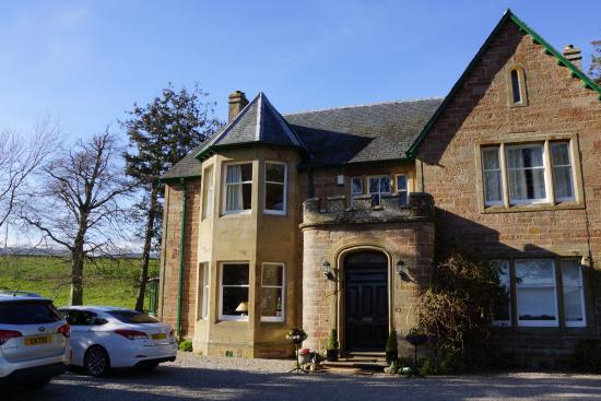Kiltearn House: Das Guest House von außen