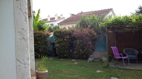 Motel Capsol : mignon petit jardin très Zen !