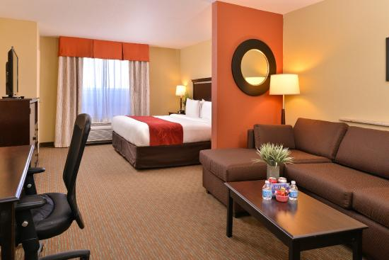king executive suite picture of comfort suites urbana champaign rh tripadvisor com
