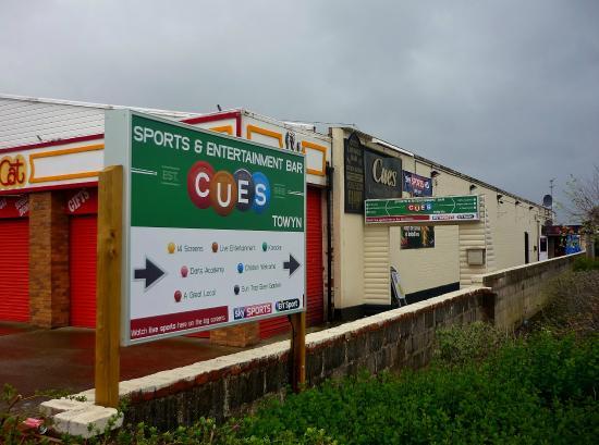 Cues Sports Bar
