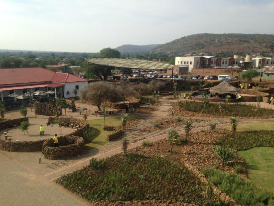 Pilanesberg National Park, Sydafrika: A view from the Moruleng Cultural Precinct bell tower