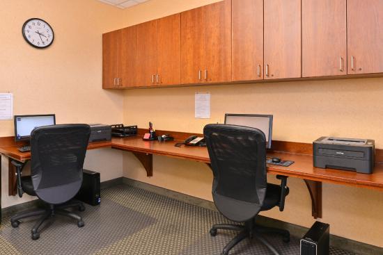 Comfort Suites Urbana Champaign, University Area: Business Center