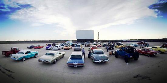 Stars and stripes drive in new braunfels movies