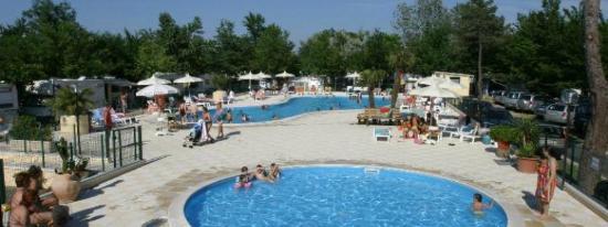 questa è la piscina! - Foto di Campeggio Romagna, Milano Marittima ...