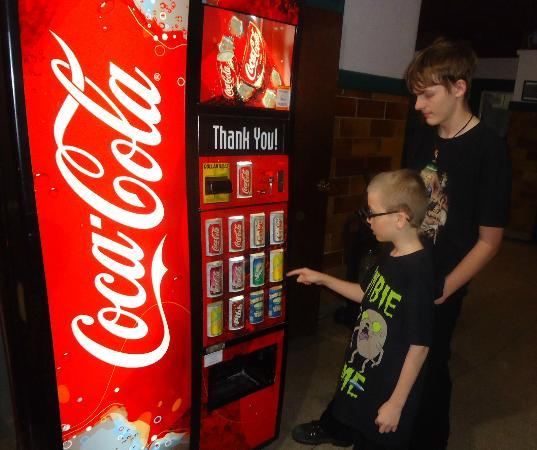 Benham School House Inn : 50¢ Pop Machine!