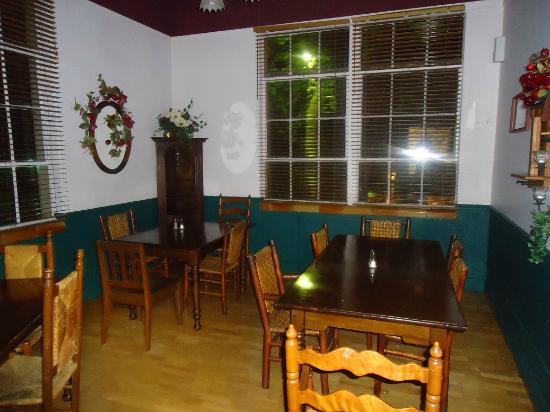 Benham School House Inn : Breakfast Room (Apple Room)