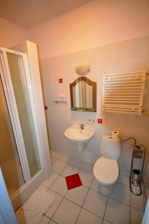 Hotel Kormoran: Łazienka pokoju