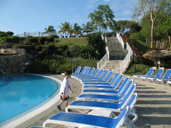 Memories Holguin Beach Resort Swim Up Bar Pool Looking The Stairs