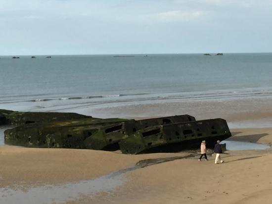 ‪Remains Mulberry Harbour‬