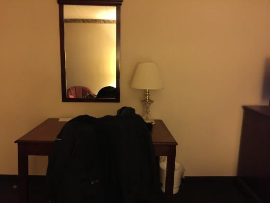 The View Inn & Suites : room