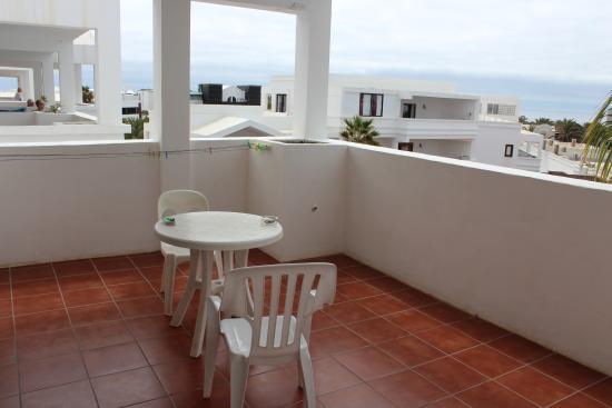 Oceano Apartments: large balcony