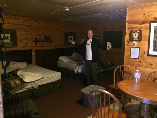 Daisy Motel: Our Room at Daisy Hotel