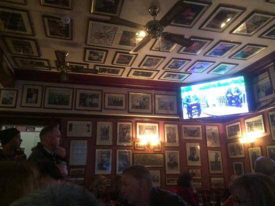 Golfer's Corner Lounge Bar at Dunvegan