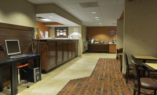 baymont by wyndham nashville airport briley tn. Black Bedroom Furniture Sets. Home Design Ideas