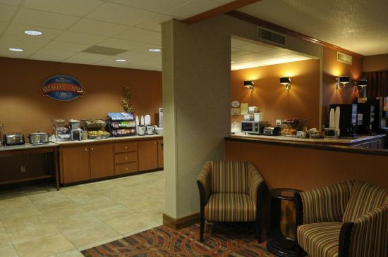 baymont inn suites nashville airport briley 1 3 8. Black Bedroom Furniture Sets. Home Design Ideas