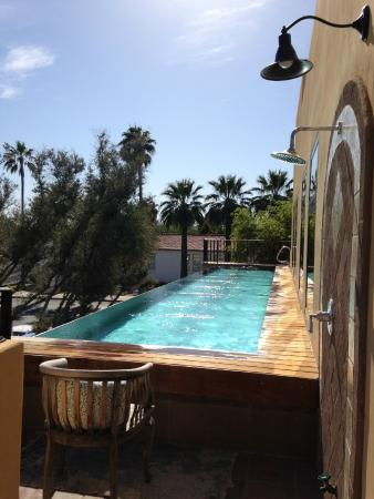 Bespoke Inn: infinity edge upstairs lap pool