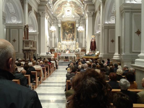 Portici, Italy: interno chiesa