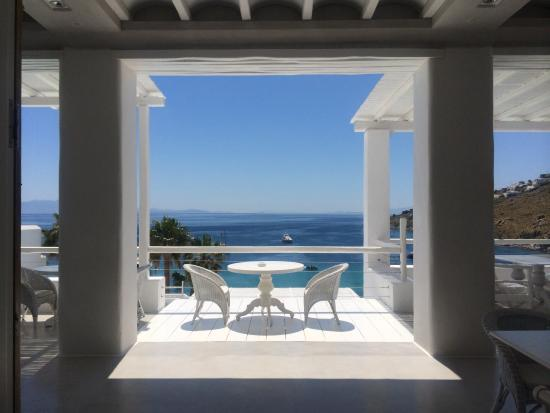 Grecotel Mykonos Blu Hotel: The view from hotel reception