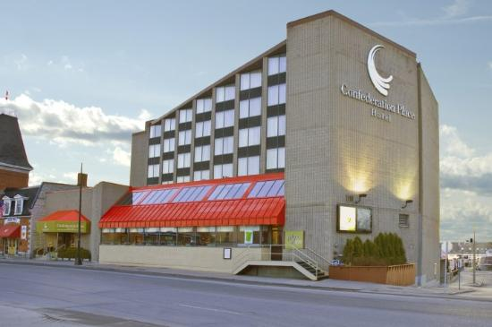 Confederation Place Hotel: Property