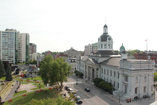 Confederation Place Hotel: City Hall