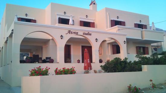 Σας προσκαλουμε  στα Avra studiosγια υπεροχες διακοπες